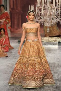 Tarun Tahiliani at India Couture Week 2016 India Fashion, Asian Fashion, Gothic Fashion, Lehenga Gown, Anarkali, Indian Dresses, Indian Outfits, Tarun Tahiliani, Indian Bridal Lehenga