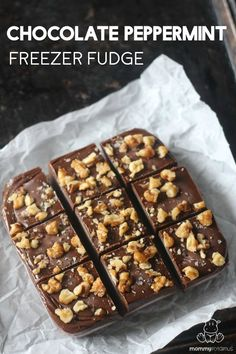 Chocolate Peppermint Freezer Fudge Recipe - It tastes like a Thin Mint cookie! I would make swerve/molasses brown sugar for low carb
