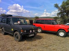 Feliz Navidad everyone!  If you see Santa tell him I need new tyres & shocks. #rangeroverclassic #rangerover #landrover