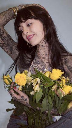 Hot Tattoos, Girl Tattoos, Sleeve Tattoos, Tattoos For Women, Tattooed Women, Tattoo Girls, Hannah Pixie Snowdon, Pin Up, Beste Tattoo