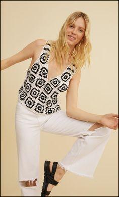 Crochet Granny, Crochet Fashion, White Jeans, Capri Pants, Knitting, Sweater Vests, Women, Flowers, Hipster Stuff