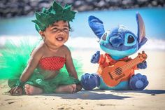 My little Lilo daughter for her 6 month photo shoot Monthly Baby Photos, Baby Girl Photos, Cute Baby Pictures, Newborn Pictures, Disney Princess Babies, Baby Princess, Disney Maternity, Hawaiian Baby, Milestone Pictures