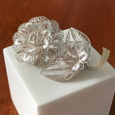 Sterling silver 925 filigree flower vintage pin brooch Wedding brooch and nice addition to your collection Vintage Pins, Vintage Flowers, Statement Necklace Wedding, Silver Brooch, Short Necklace, Vintage Costume Jewelry, Clip On Earrings, Sterling Silver Jewelry, Jewelry Sets