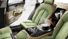 自動車としては世界初となる炊飯器をリヤシートのコンソールボックスに搭載。Audi A8 5.5 最高のご(5)はん(0.5)
