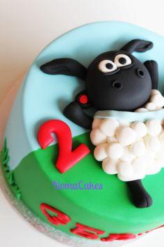 Tarta Timmy - Timmy Cake - cake by Sílvia Romero (Noma Cakes) Sheep Fondant, Fondant Cupcakes, Cupcake Cakes, Cartoon Birthday Cake, Themed Birthday Cakes, Themed Cakes, Fancy Cakes, Cute Cakes, Shaun The Sheep Cake