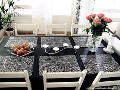 Black and white dining table with candles and roses White Dining Table, Roses, Dining Room, Candles, Black And White, Diy, Home Decor, White Dining Room Table, Decoration Home