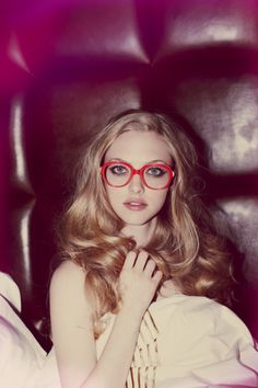 I love these red glasses. I have no idea where to buy. The magazine spread did not mention... any ideas?