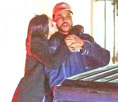 Tình cũ của cô và The Weeknd đều cho rằng Selena đang lợi dụng bạn trai để quảng bá sản phẩm mới.           Selena và The Weeknd ôm hôn trên phố hôm 10/1.      Selena Gomez và nam ca sĩ The Weeknd vừa công khai hẹn hò vào tuần trước. Người đẹp 24 tuổi trông rất hạnh phúc mỗi khi bước ra...  http://cogiao.us/2017/01/18/selena-gomez-bi-mang-tieng-xau-khi-yeu-nguoi-moi/