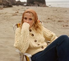 In a soft baby alpaca blend the DÔEN Cardiff Sweater is the cardigan version of our Fall Serena Sweater. We kept the same cream knit with multicolor flecks Look Fashion, Fashion Beauty, Winter Fashion, Womens Fashion, French Fashion, Fashion Clothes, Fashion Dresses, Looks Style, Style Me