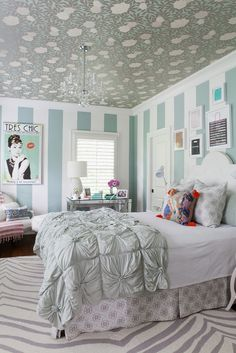 Minty Inspirations: Stylish teen room with turquoise accents