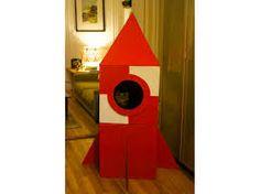 Build a Cardboard Cat Rocket DIY Cardboard Rocket House for Cats!DIY Cardboard Rocket House for Cats! Cardboard Rocket, Cardboard Cat House, Cardboard Crafts, Cardboard Boxes, Cardboard Fireplace, Cardboard Playhouse, Cardboard Furniture, Diy For Kids, Crafts For Kids