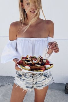 Waffle perfection | Fira, Santorini | More here: http://www.ohhcouture.com/2016/06/monday-update-25/ | #ohhcouture #leoniehanne