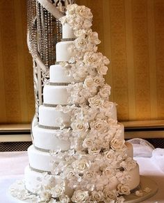wedding cake only mine would be red roses and maybe some white lilly's in there to