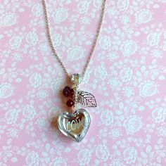 NWOT hear charm long necklace Brand new Jewelry Necklaces