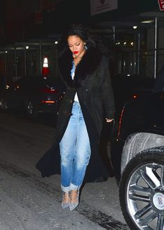 Rih out and about. #oversized #coat #jeans