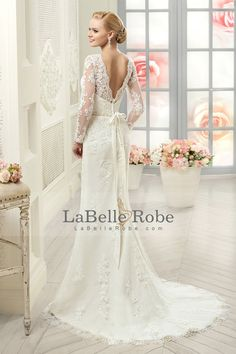 2016 Scoop manches longues robes de mariée sirène Tulle Avec Applique Et Sash