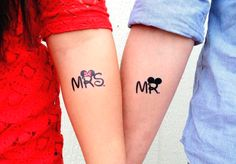 175 of the Best Couple Tattoo Designs that will keep your Love forever - Beste Tattoo Ideen Matching Disney Tattoos, Disney Couple Tattoos, Married Couple Tattoos, Couple Tattoos Love, Married Couples, Mickey Tattoo, Mickey And Minnie Tattoos, Mouse Tattoos, Mini Tattoos