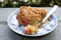 Rabarber Crumb kage | Sarahs Kager
