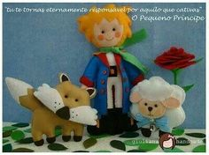 The Little Prince, felt pattern. Site is in Portugese. Felt Fabric, Fabric Dolls, Felt Crafts, Diy And Crafts, Felt Patterns, The Little Prince, Felt Toys, Softies, Plushies