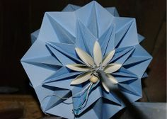 origami lamp shade by WHITE CLOUD DESIGN / on Fler