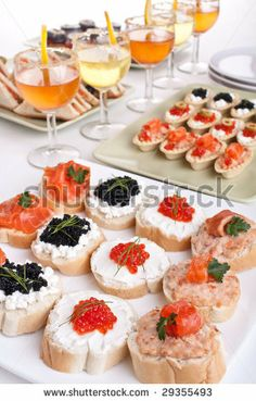Great snack with great drinks during this banquet. Traditional colors with traditional food can be a great way to spend the day.