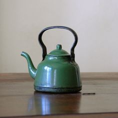 Vintage Enamelware Kettle / Green Tea / Small Kettle by 86home, $68.00