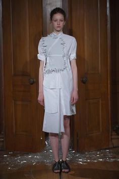 Phoebe English Spring 2016 Ready-to-Wear Fashion Show