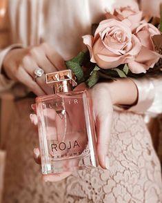dolce and gabbana perfume Perfume Scents, Perfume And Cologne, Best Perfume, Perfume Bottles, Parfum Victoria's Secret, Perfumes Vintage, Perfume Body Spray, Perfume Diesel, Bath Body Works