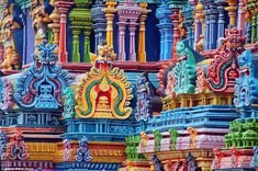 colorful hindu temple - Google Search Temple India, Jain Temple, Buddhist Temple, Madurai, Indian Temple Architecture, Asian Architecture, South India Tour, Bright Paintings, Ancient Romans