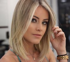 30 most popular and sexy short hair ideas short hair short popular ideas Medium Hair Cuts, Short Hair Cuts, Medium Hair Styles, Short Hair Styles, Beauté Blonde, Brown Blonde Hair, Long Bob Hairstyles, Haircuts, Great Hair