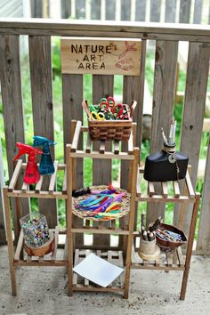 Great for outdoor art area. Outdoor Learning Spaces, Outdoor Play Areas, Outdoor Education, Timeline App, Outdoor Classroom, Outdoor School, Classroom Ideas, Reggio Classroom, Toddler Classroom