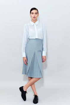 This Blue Midi Pleated Skirt has hand formed pleats insertion. Pleated Midi Skirt, High Waisted Skirt, Red Carpet Looks, That Look, Chemistry, Skirts, Blue, Outfits, Dresses