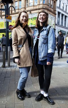 Live At Leeds Street Style: the 1461 shoe. Dr. Martens, Dr Martens Outfit, Street Style 2016, Look Fashion, Fashion Women, Unisex Fashion, Autumn Winter Fashion, Cool T Shirts, Clothes For Women
