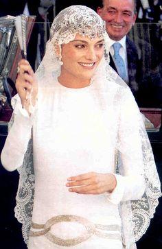 Tiara is upside down! Laura Ponte y Martínezjpg marries a nephew of King Juan Carlos of Spain,