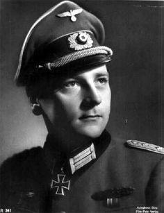 ✠ Hermann Ammer (8 March 1914 – 9 December 2000) RK 12.10.1943 Oberleutnant d.R. Führer II./Gren.Rgt 62 7. Infanterie-Division