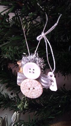 Martha's Angel Button Ornaments Preschool Christmas Crafts, Christmas Ornament Crafts, Christmas Angels, Country Christmas, Winter Christmas, Christmas Ideas, Christmas Decorations, Button Ornaments, Angel Ornaments