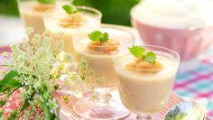 Pannacotta med rabarber och vanilj – recept