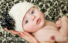 3 month old baby - pose idea Cute Kids, Cute Babies, Baby Kids, Baby Baby, Children Photography, Newborn Photography, Baby Monat Für Monat, 3 Month Old Baby, Baby Poses