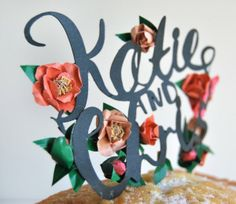 Gorgeous paper cake topper with flowers. Oh So Beautiful Paper: Wedding Stationery Inspiration: Paper Cake Toppers Jukebox, Typography Invitation, Calligraphy Paper, Wedding Stationery Inspiration, Wedding Inspiration, Wedding Stress, Traditional Wedding Cake, Paper Cake, Wedding Cake Toppers