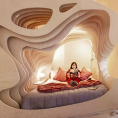 These Cave-Like London Apartments Help Jet-Lagged Travelers Drift Off to Sleep #dwell #travel #boutiquehotel #moderndesign