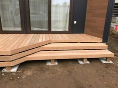 Small Modern Cabin, Small Backyard Decks, Patio Deck Designs, Timber Deck, Home Decor Lights, Building A Deck, Diy Patio, Outdoor Spaces, New Homes