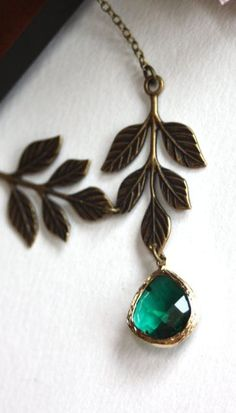 gorgeous emerald green with dark metal. It makes the green stand out more. // wooooooooowwww!!! STUNNING!!