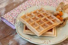 Waffle de tapioca para um café da manhã fit. Anote a receita