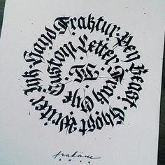 Znalezione obrazy dla zapytania black letters calligraphy frakone