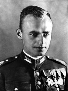 pilecki the Auschwitz volunteer ---  The incredible story of the man who volunteered to enter Auschwitz and exposed the horrors of the Holocaust.