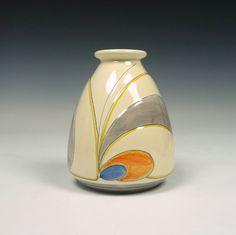 Kennemer Potterij Velsen. A pottery vase.