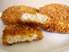 <p>Le poulet est au KFC, ce quele steak est au McDo. De fait, le KFC est particulièrement connu pour ses buckets (seau) de morceaux de poulet frit dans une panure très croustillante et tous ses sandwich à base de poulet pané. Je vous propose ici une version de ce «classique» …</p>