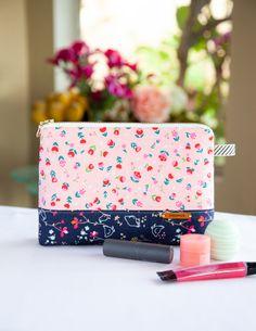 Handmade Bags For Kids Free Pattern Bag Pattern Free, Pouch Pattern, Bag Patterns To Sew, Sewing Patterns, Makeup Bag Pattern, Zipper Pouch Tutorial, Fabric Ornaments, Ornament Tutorial, Makeup Pouch