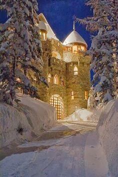 очарование недавнего времени Castle Magic in Sandpoint, Idaho