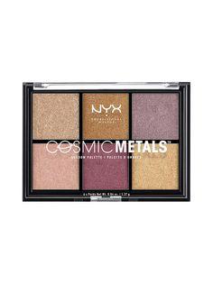 Luo sarja sensaatiomaisia lookeja Cosmic Metals Shadow -luomiväripaletilla, joka on saanut inspiraationsa suositusta Cosmic Metals -huulivoiteesta. Palettiin kuuluu kuusi monipuolista ja särmikästä neutraalia sävyä, joissa on kullan, luumun ja malvan vivahteita. Upea setti lataa luomesi täyteen rikasta, metallinhohtoista väriä ja lopputulos on uskomattoman värikylläinen.